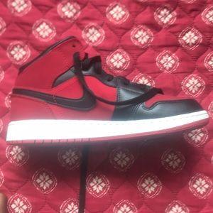 Jordan 1 bred slightly used